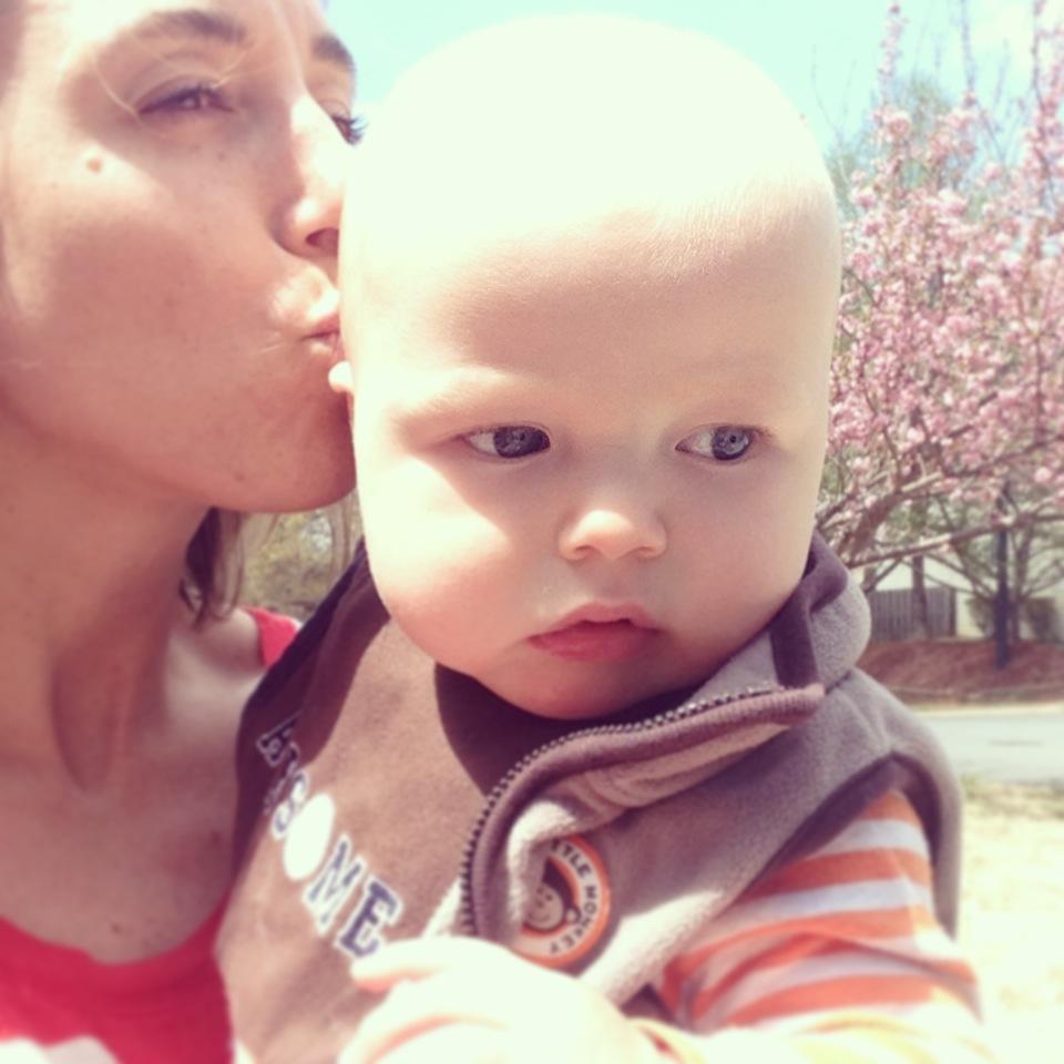 mama beau kiss