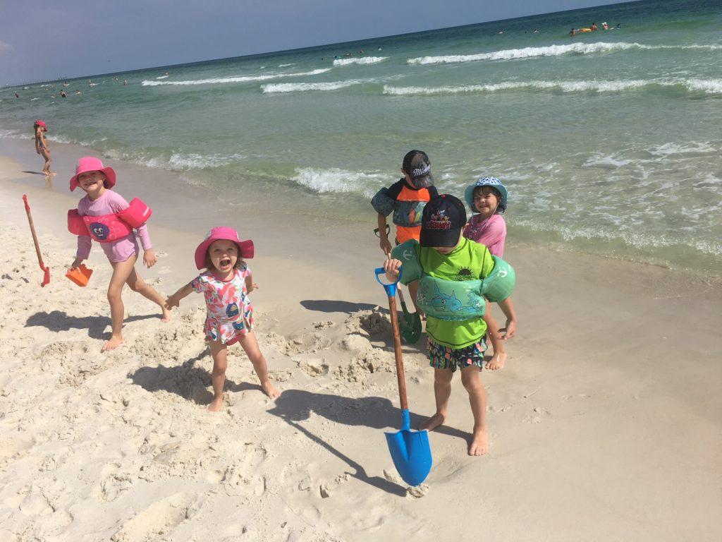 kids large shovels friday faves