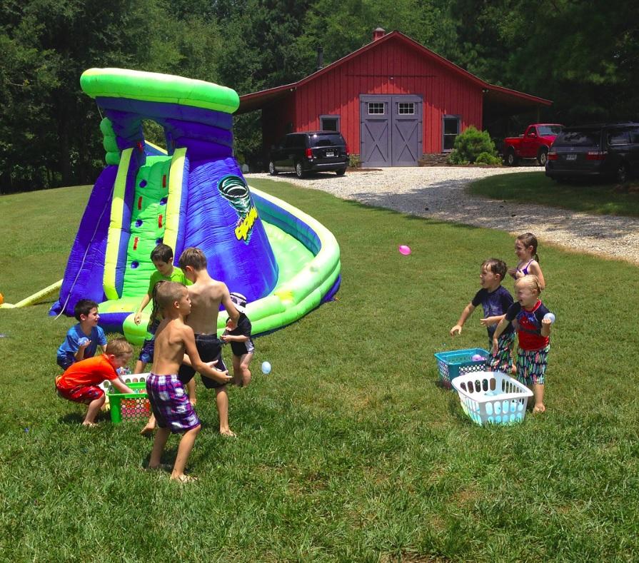 summer birthday party ideas water balloon fight